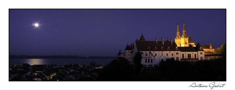 Pleine lune sur Neuchâtel