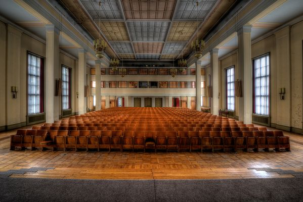 Plenarsaal -1-