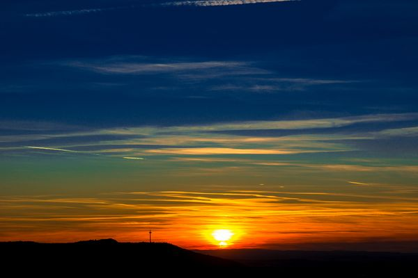 Plettenbergturm im Sonnenuntergang
