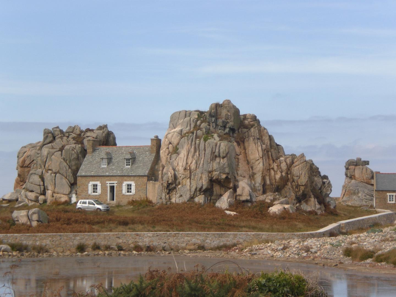 Plougrescant - Bretagne - Septembre 2009 - Maison insolite.......