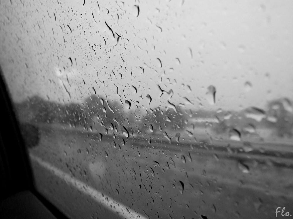 Pluie sur autoroute