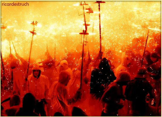 pluja de foc - lluvia de fuego