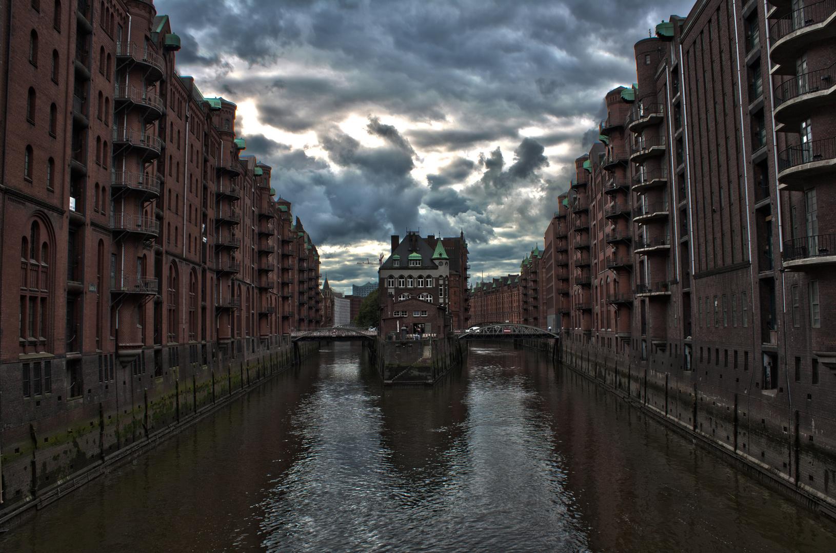 Poggenmühlenbrücke mit blick aufs Schlösschen