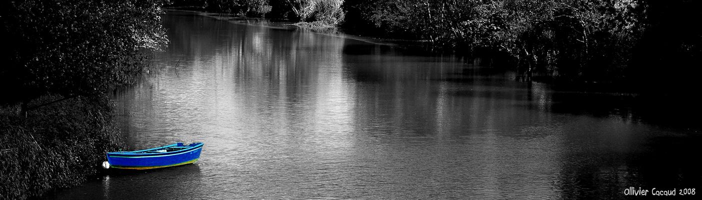 point bleu sur la rivière ...