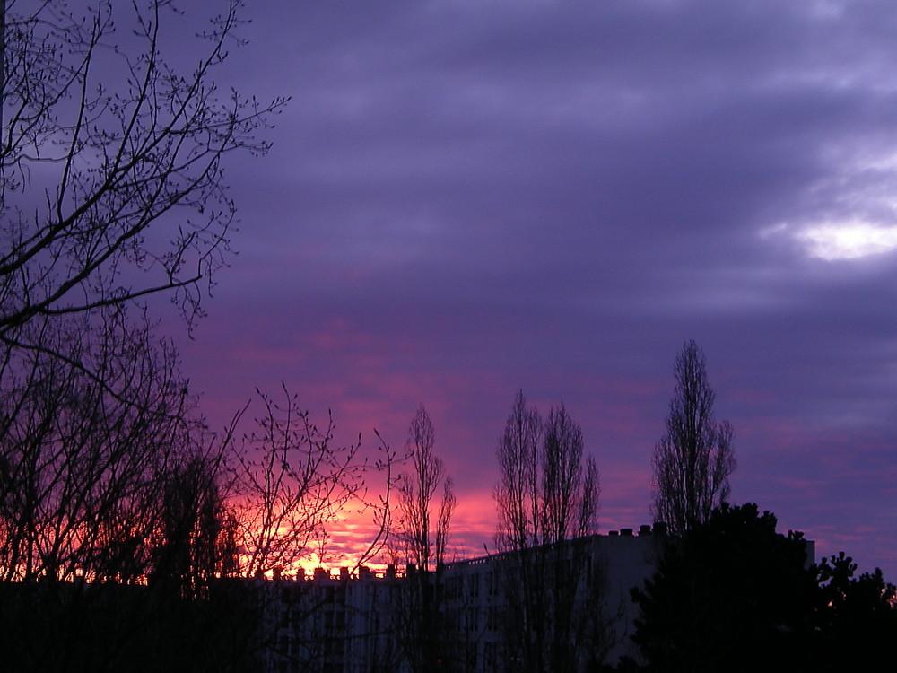'Poitiers brûle t-il?  Non juste un levé de soleil