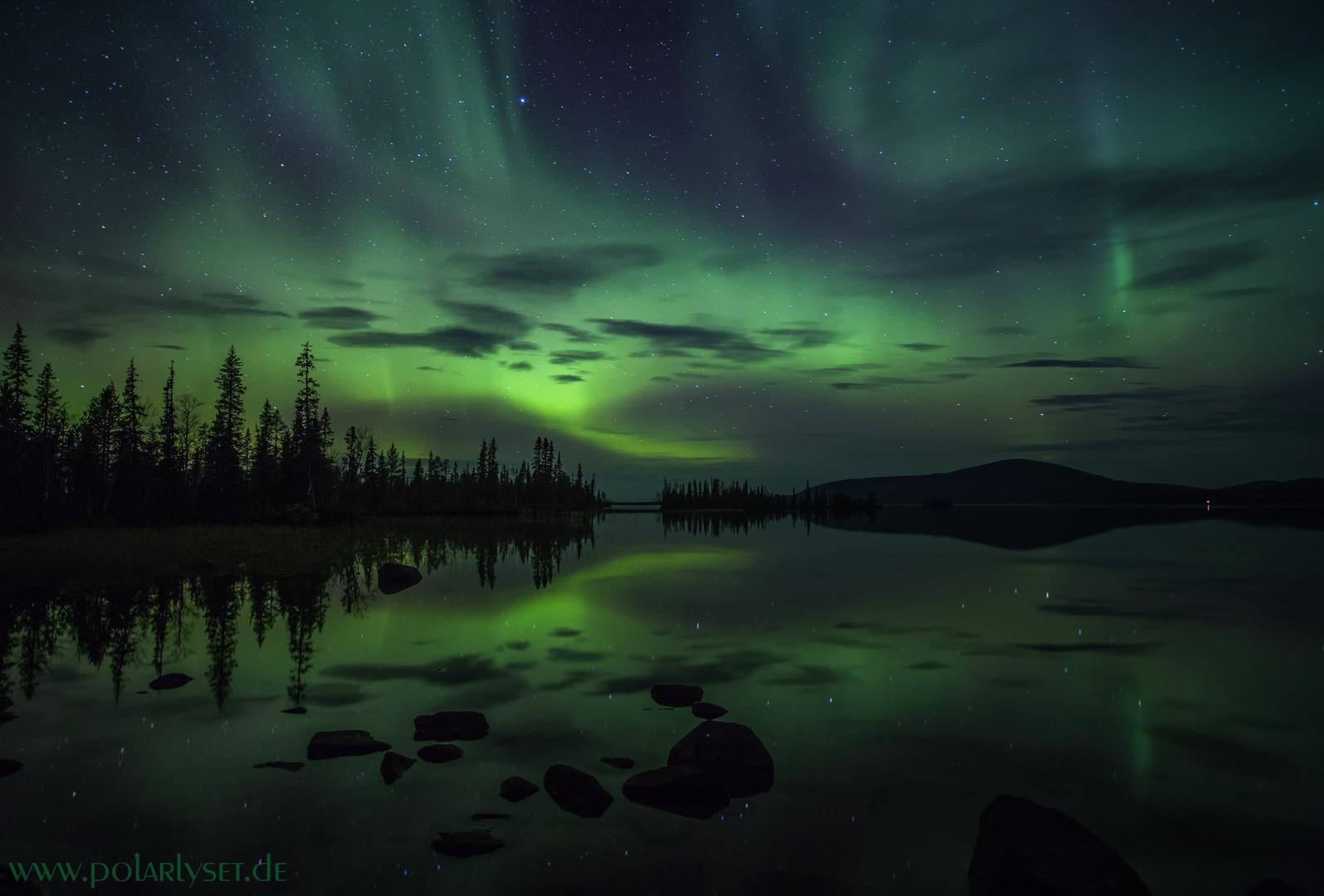 Polarlicht - Spiegelung auf dem See