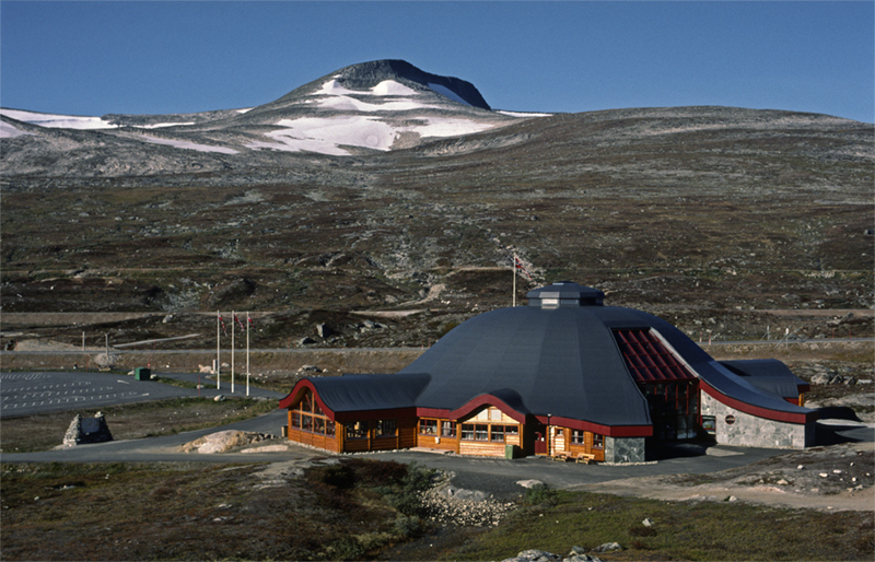 "Polarsirkelen - 66° 33` 6"" N, 15° 19` 20"" E"