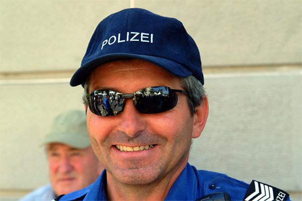 Polizei ...