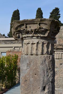 Pompéi, derrière le théâtre