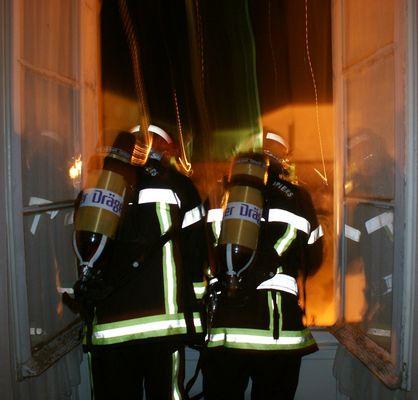 pompier en manoeuvre