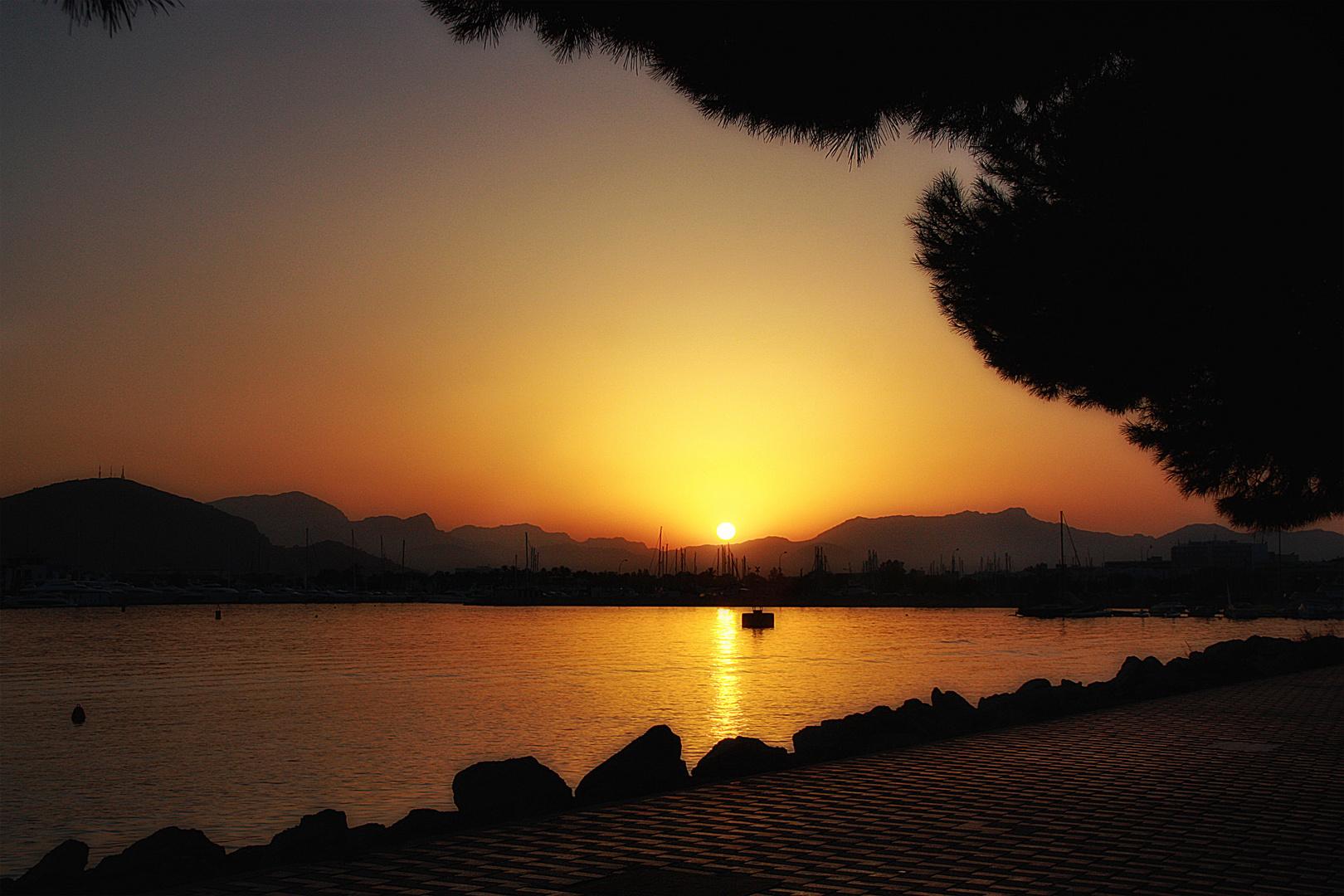 Poniéndose el sol...