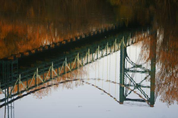 Pont de Cazoul- les -Bézièrs avec son reflet automnal