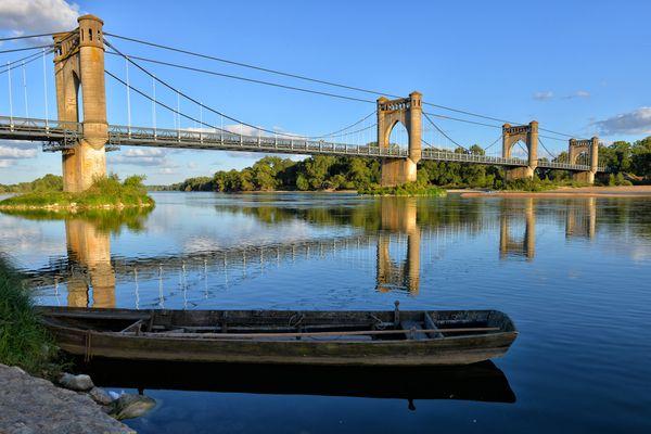 Pont de Langeais sur Loire