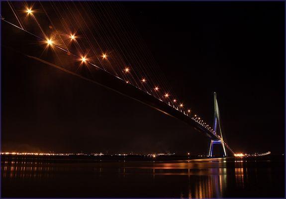 Pont de Normandie bei Nacht