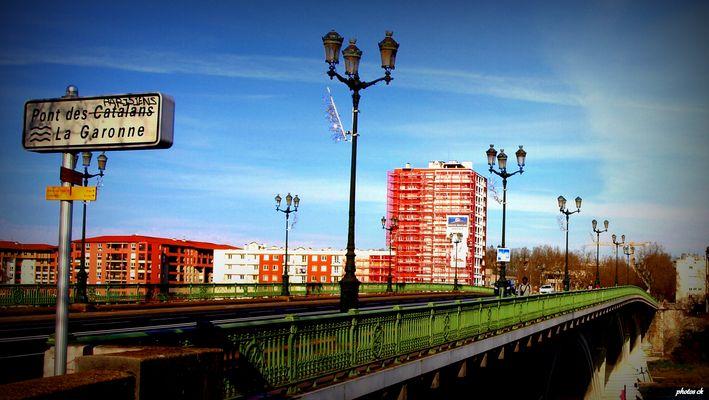 ..... Pont des Parisiens .....
