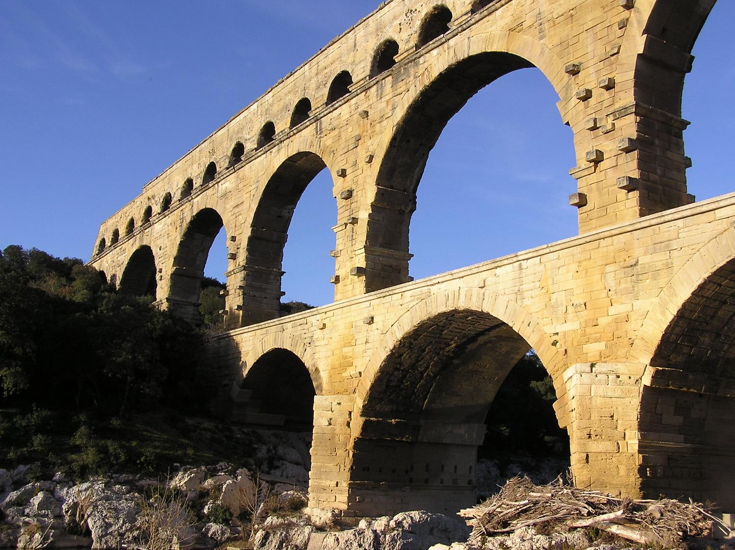 Pont du Gard profil sud ouest