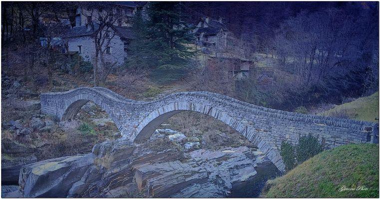 Ponte dei Salti..Foto in bassorilievo.