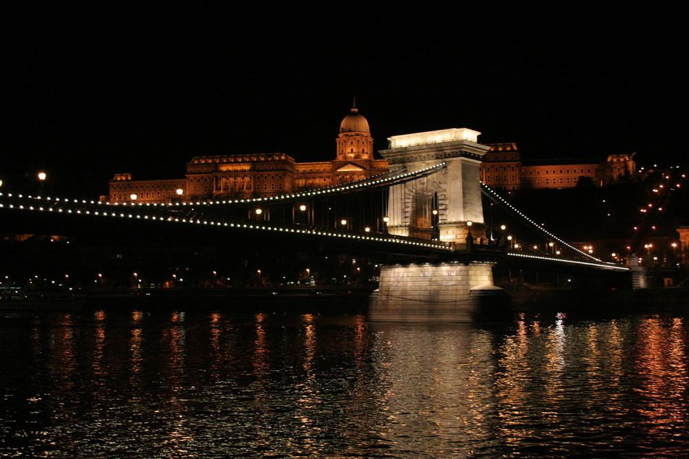 Ponte delle catene (Budapest)