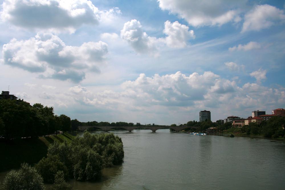 Ponte dell'Impero e parco allagato