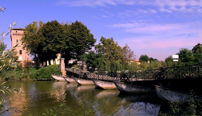 Ponte di barche