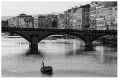 Ponte Santa Trinita e barcone
