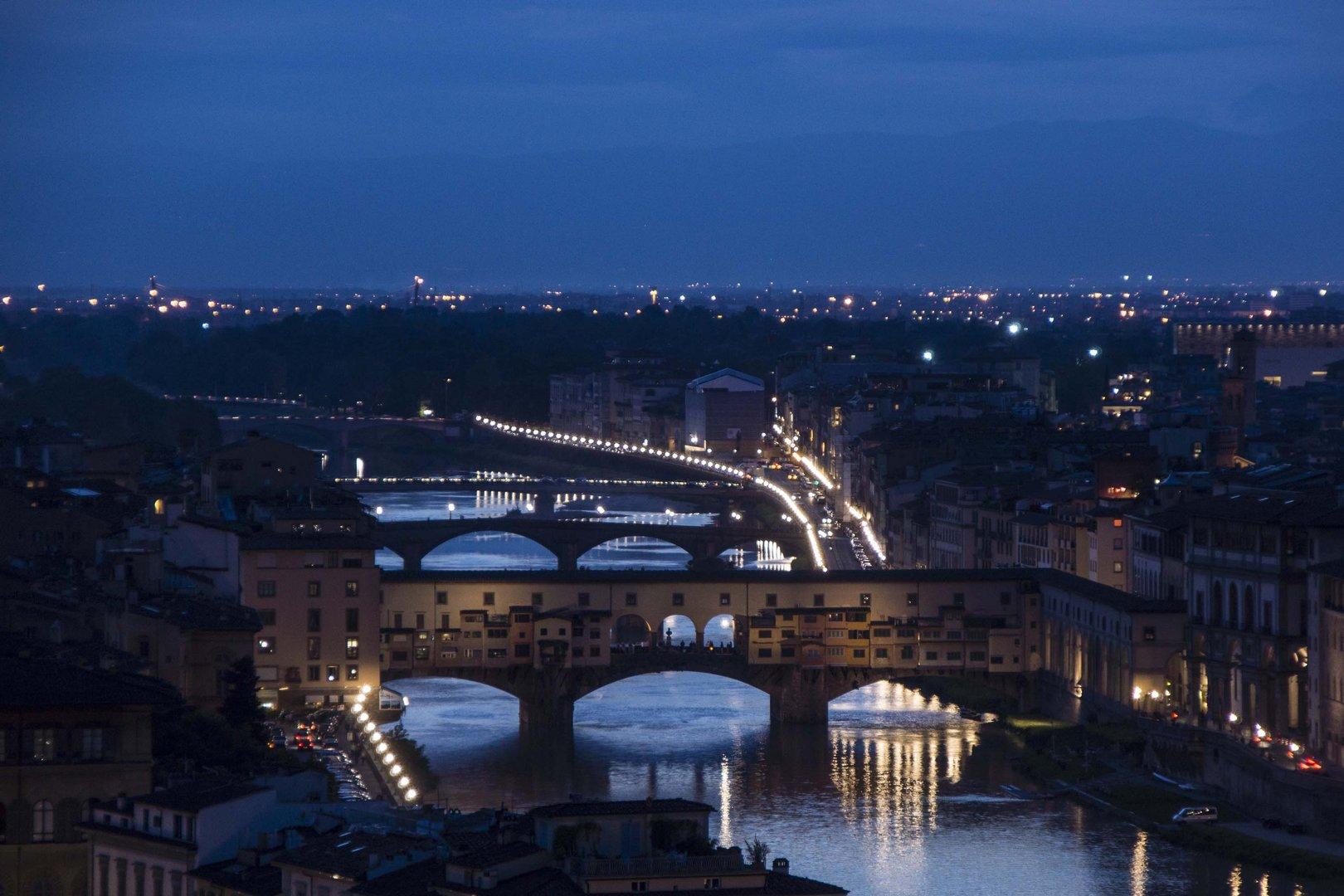 Ponte Vecchio in der Nacht
