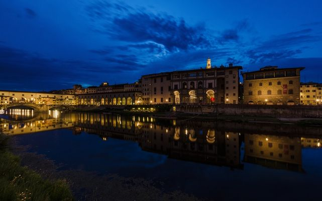 Ponte Vecchio, Lungarno degli Acciaiuoli