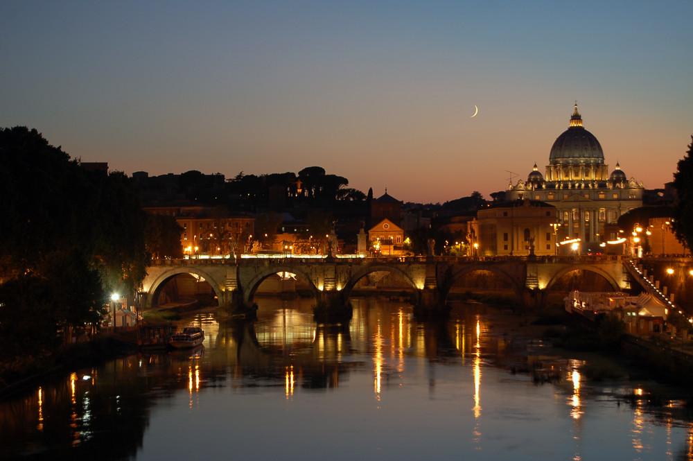 Ponte,Luna e il Cupolone