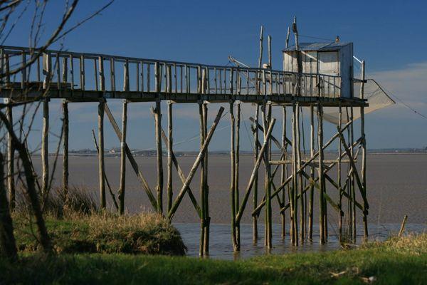 Ponton de pêche sur la Gironde (FRANCE)