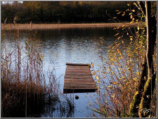 ponton du lac d'Etival