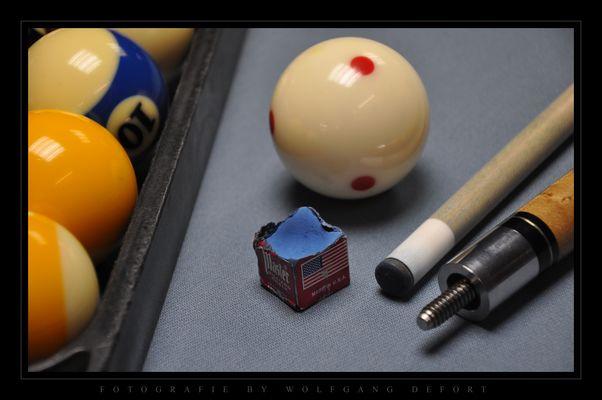Pool-Billard - Kugeln, Kreide & Queue
