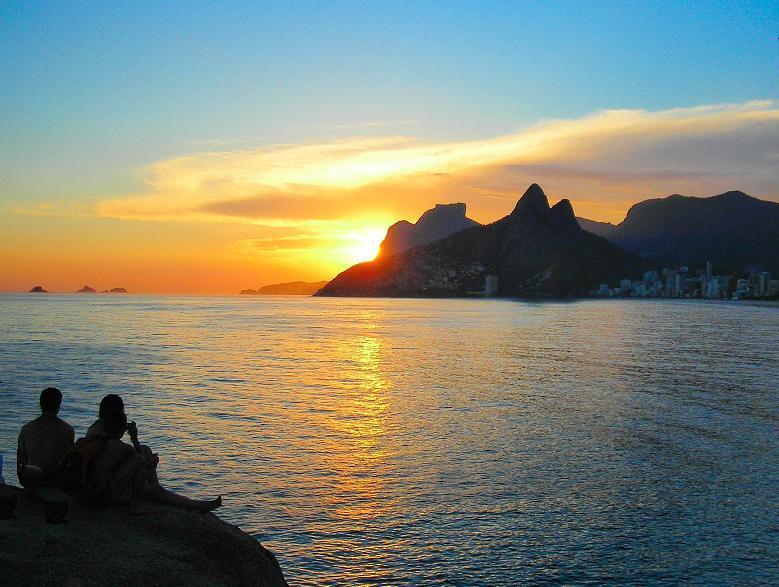 Por do Sol no Arpoador - Sunset in Arpoador / Series: Silhouettes of Rio.