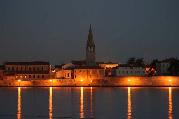 Porec bei Nacht / Kroatien