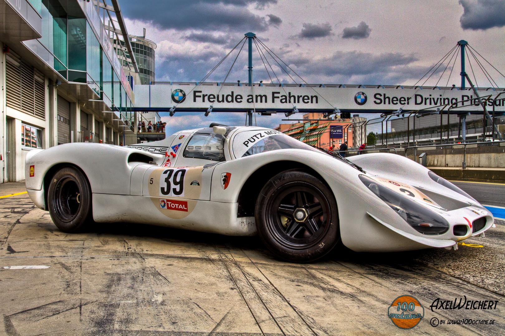 Porsche 907 - Hermann/Stommelen/Siffert