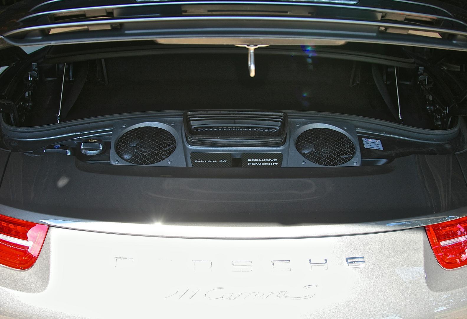 Porsche 911 Carrera S Motorraum