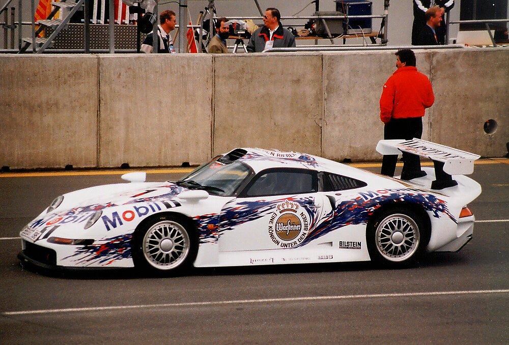 Porsche 911 GT1...