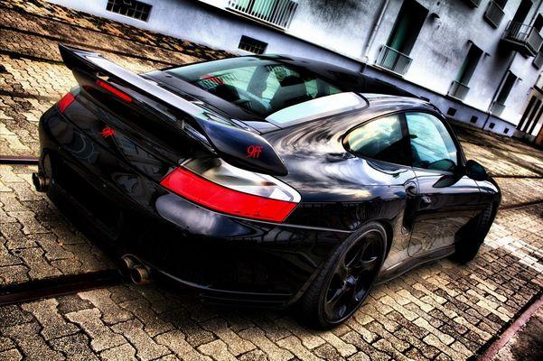 Porsche 9ff back
