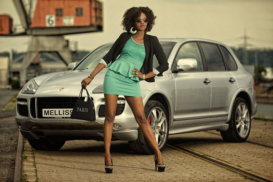 ... Porsche Cayenne ...