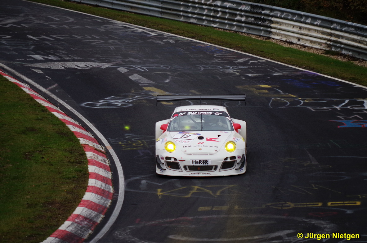 Porsche im Brünnchen