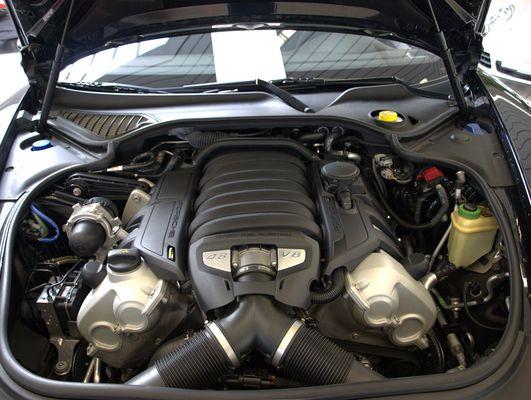 Porsche Panamera Motor , V8 mit 4.8L,irgendwas mit 400PS