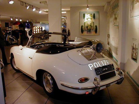 Porsche Polizeifahrzeug