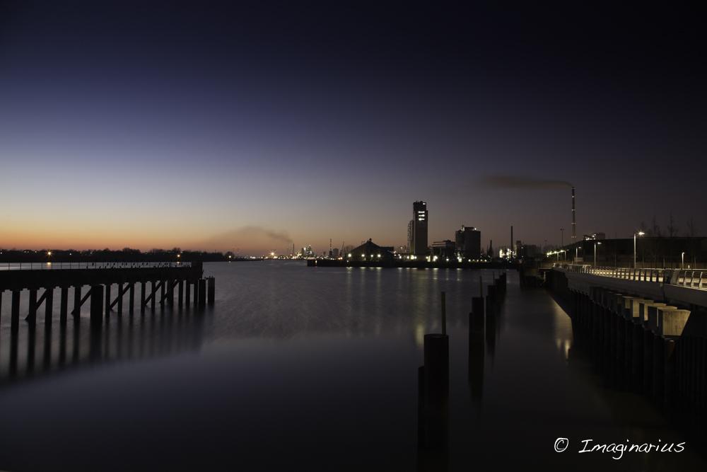 port at night - Industriehafen Bremen am Abend