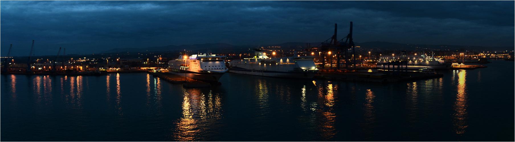 Port Civitavecchia (Italien)