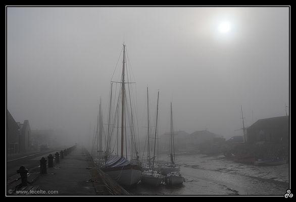 Port de Noirmoutier dans la brume