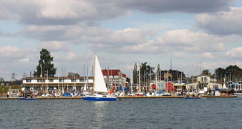 "Port on the ""Cospuden See"""