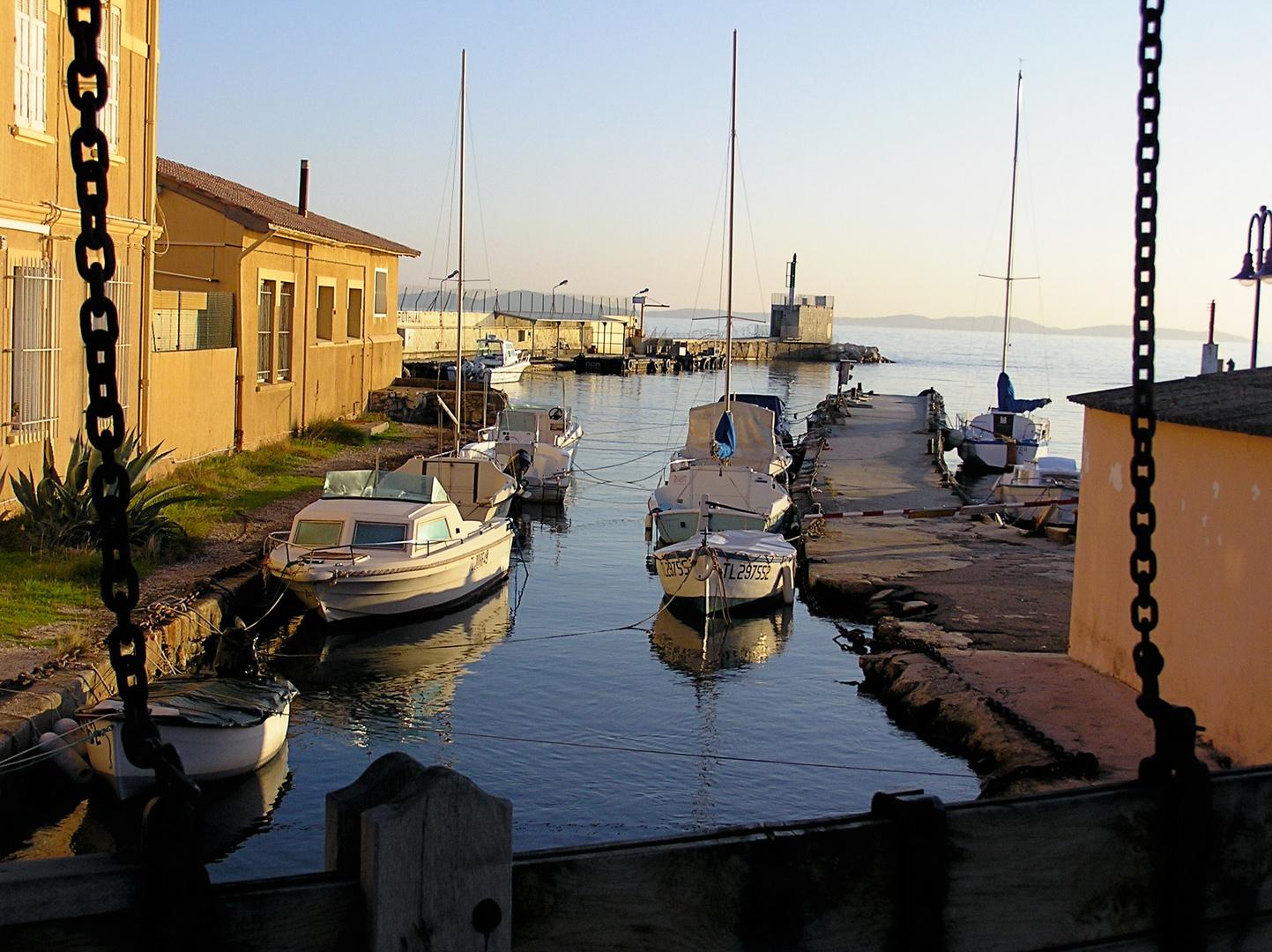 Port Pothuaux g