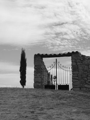 portail de cimetière