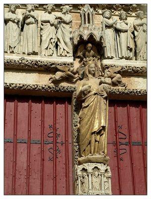 portail de la vierge dorée cathédrale Amiens