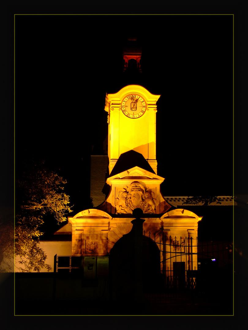 Portal bei Nacht