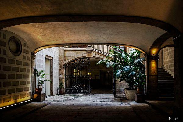 Portal de una casa de Barcelona